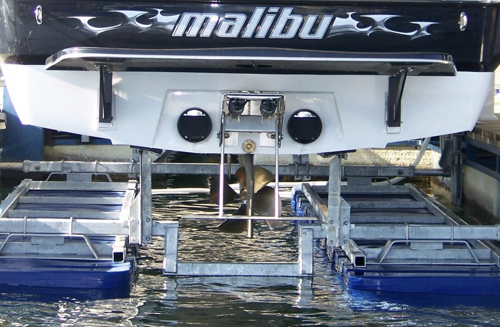Inboard boats V drive boat lift option for Boatlift dealers for new